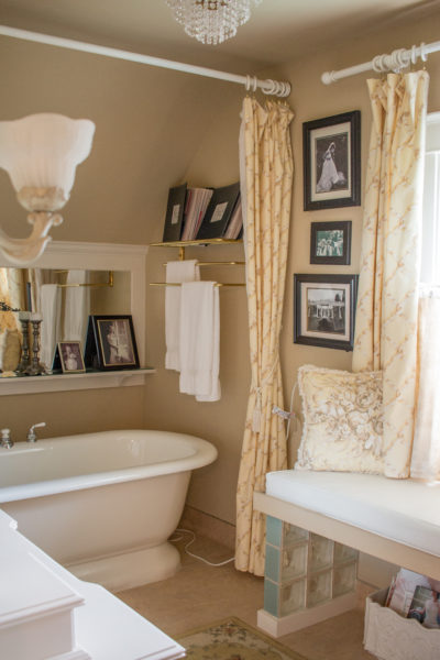 Bridal Suite bathroom at Beecher Hill House, Peshastin, Washington