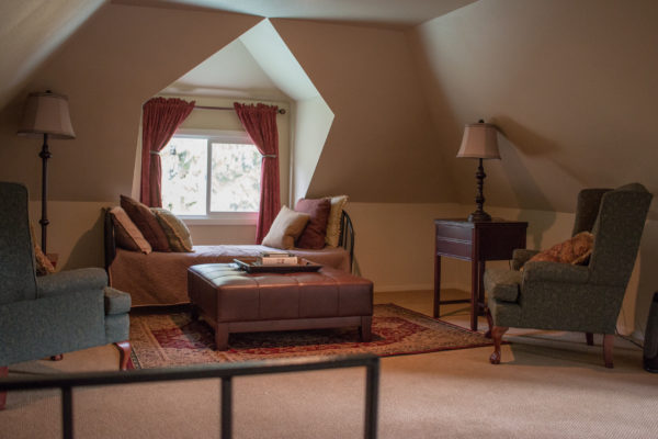 Guest Suite at Beecher Hill House, Peshatin, Washington